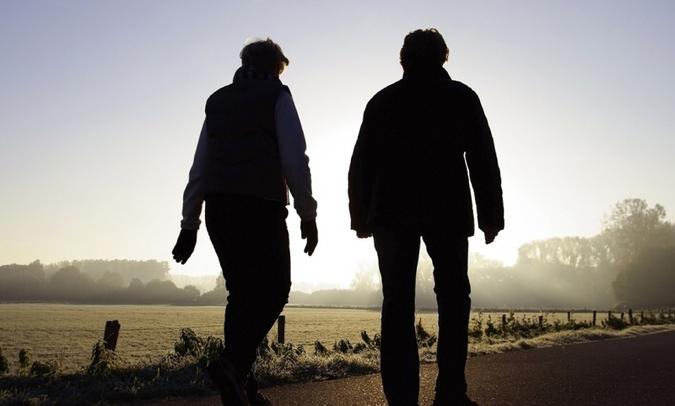 wandelen wat oudere mensen